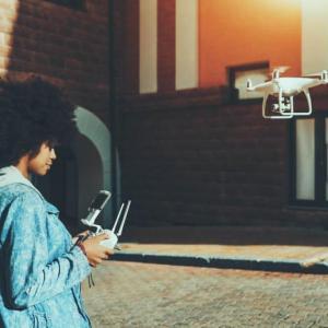 COMPRAR OU ALUGAR UM DRONE: O QUE É MELHOR?